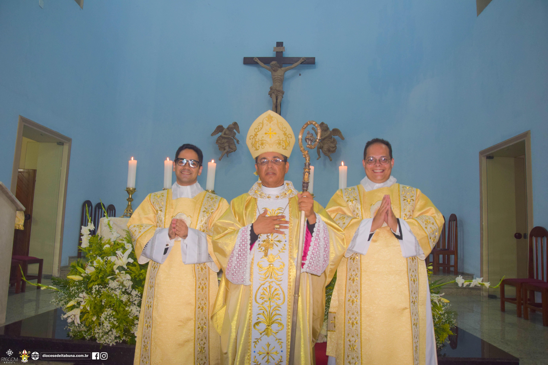 Ordenação Diaconal de Ubiratan Tibúrcio e Diego Americano