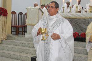 Dom Carlos fala sobre as mudanças nas celebrações do mês dedicado à Maria.