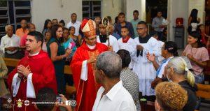Visita de Dom Carlos a Paróquia Nossa Senhora das Vitórias em Santa Cruz da Vitória.