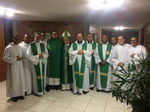 Dom Carlos faz visita pastoral aos Seminaristas no Seminário Central da Bahia