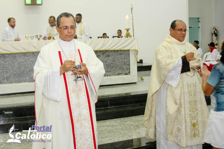 Com igreja fechada, missa dedicada à Santa Rita, é transmitida por rádio em Itabuna